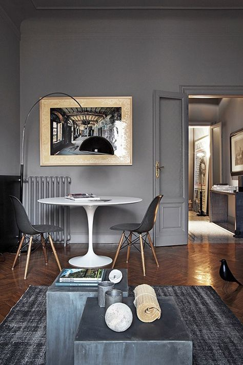 Loving the gray chairs with the white table via  apartment therapy