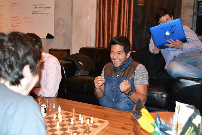 Jun Loayza beats Alejandro Casas at Chess