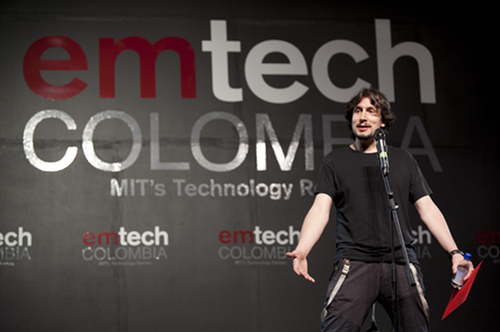 "Receiving MIT's Technology Review ""Top Colombian Innovator of the Year"" award"