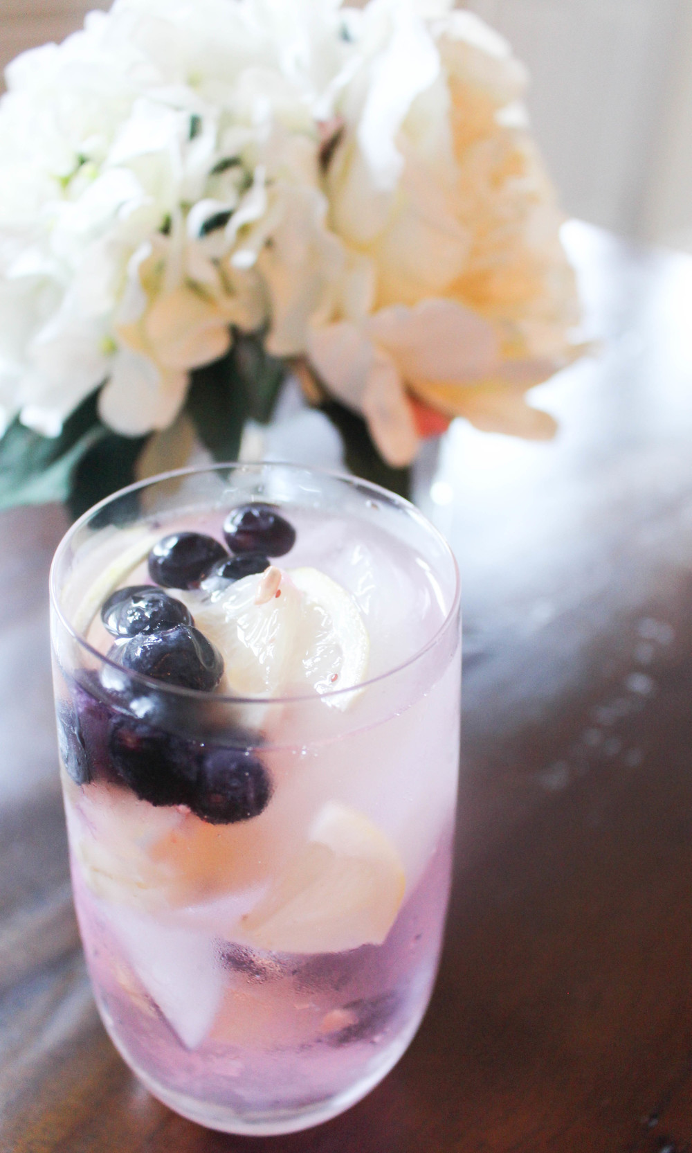 Blueberry Vodka Tonic