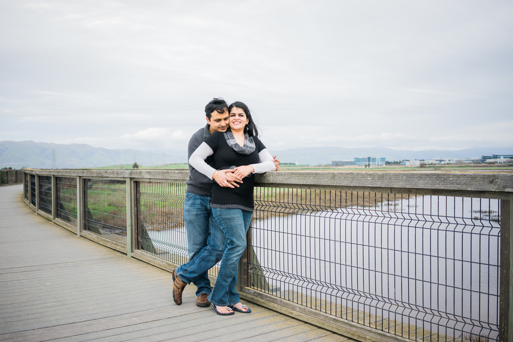 casual-engagement-photos-poses-afewgoodclicks-baylands-sunnyvale