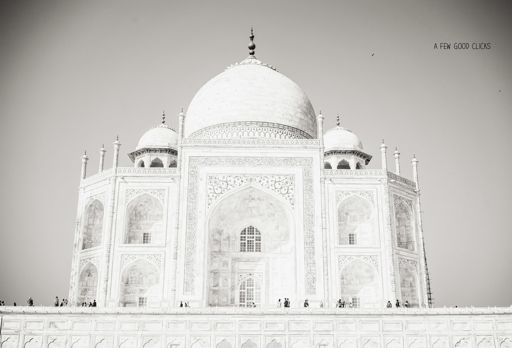 black-and-white-tajmahal-photography-by-travel-landscape-photographer-at-a-few-good-clicks-net