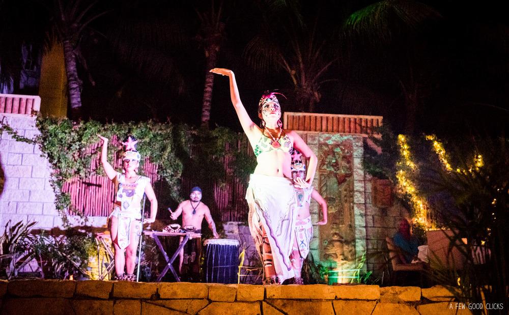 A Few Good Clicks of the Mayan Show