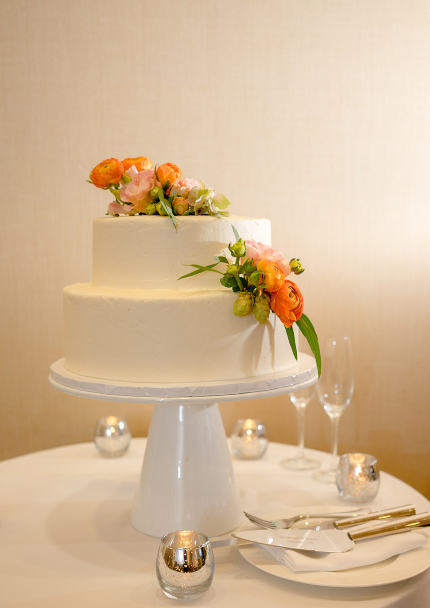 Get your ideas for elegant Cake decor here.