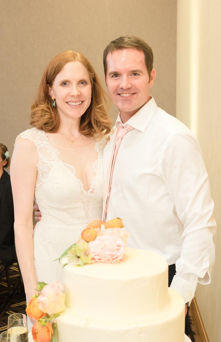 Bride & groom cutting the Wedding Cake.