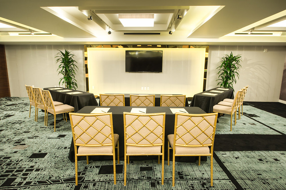 Class room style set up | Hotel Fusion Meeting rooms