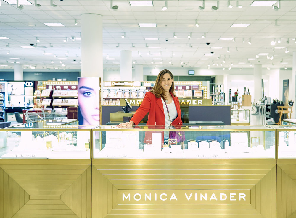 portrait-monica-vinader-at-store-front-in-nordstrom-bay-area