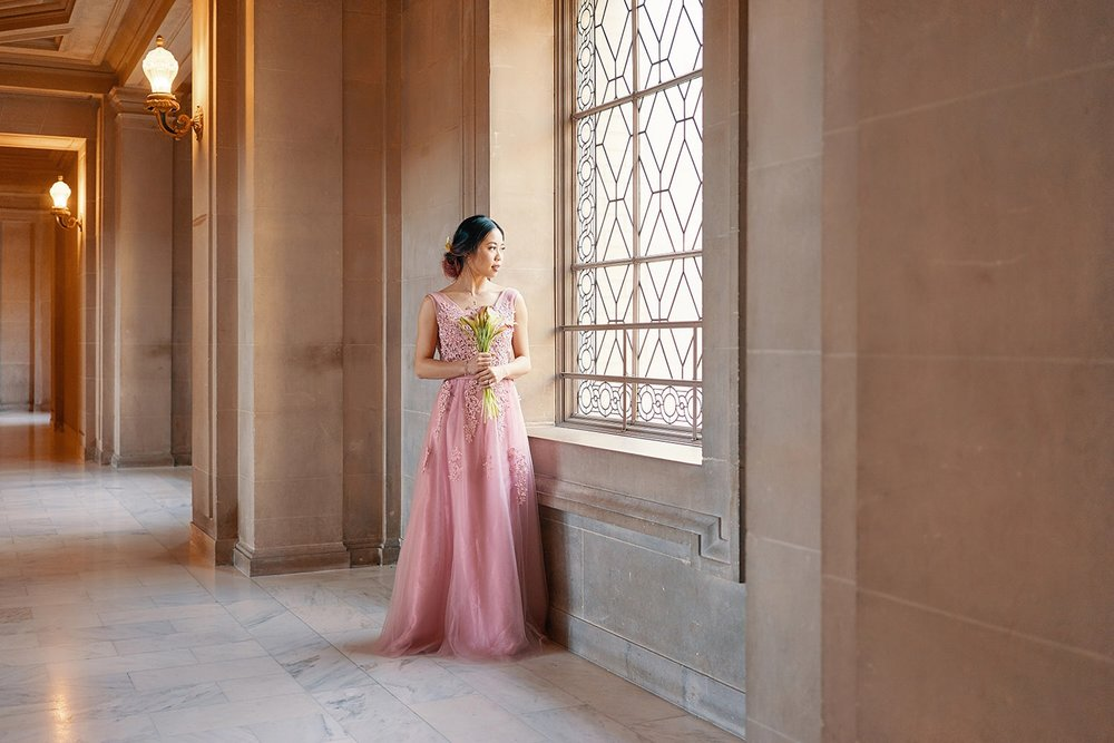San Fran City hall bridal shoot | 4th-floor window