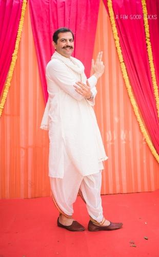 San-francisco-wedding-photographer-captures-unique-bridal-party-portraits-indian-weddings