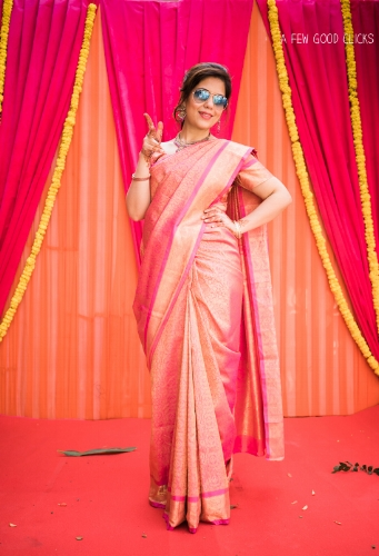 Bridal Party Portraits During Indian Wedding Parties Adds A Dash Of Their Real Personalities I