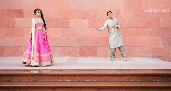 Must have couples poses for your Indian wedding album