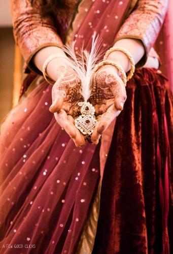 grooms-jewelry-indian-wedding-photographer-in-agra-california