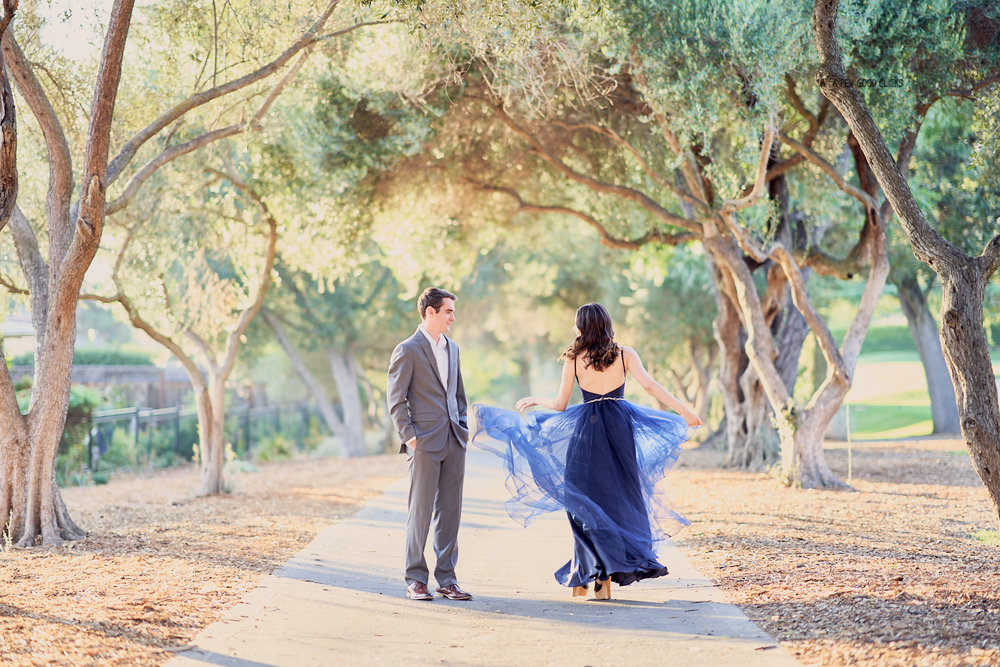 engagement-photo-shoot-location-san-jose-golf-course-blue-dress