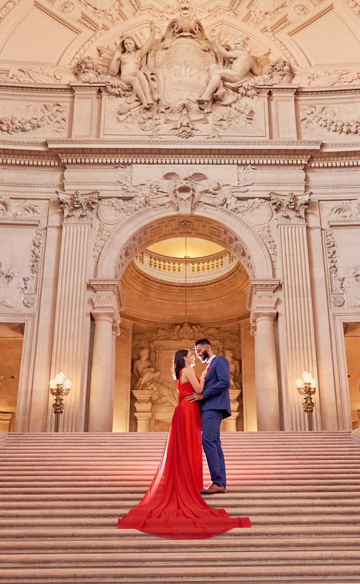 San Francisco Courthouse Wedding.Hire A Local Photographer For Your Wedding At San Francisco S City