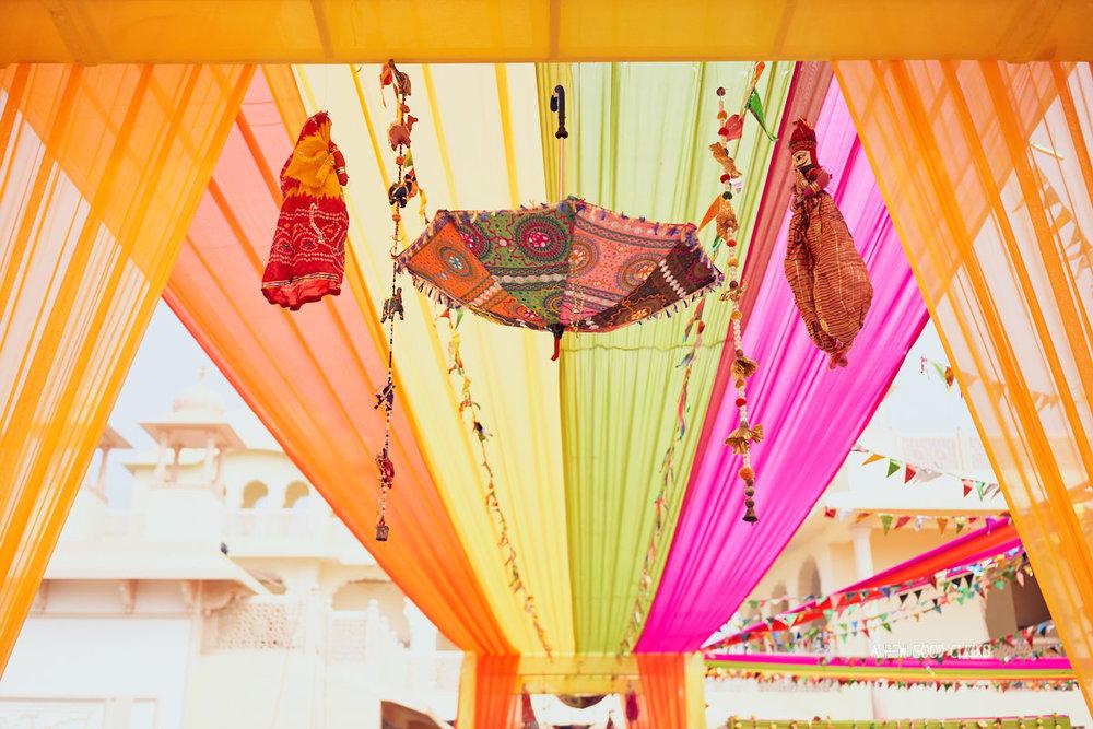 mehndi-decor-photography-by-international-wedding-photographer-at-afewgoodclicks-