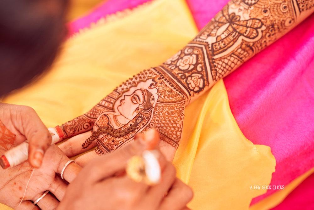 Bridal mehndi design picture.