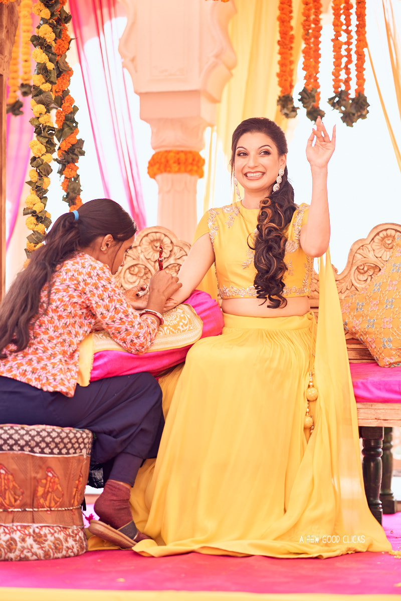 mehndi-wedding-photographer-at-rajasthali-resort-jaipur
