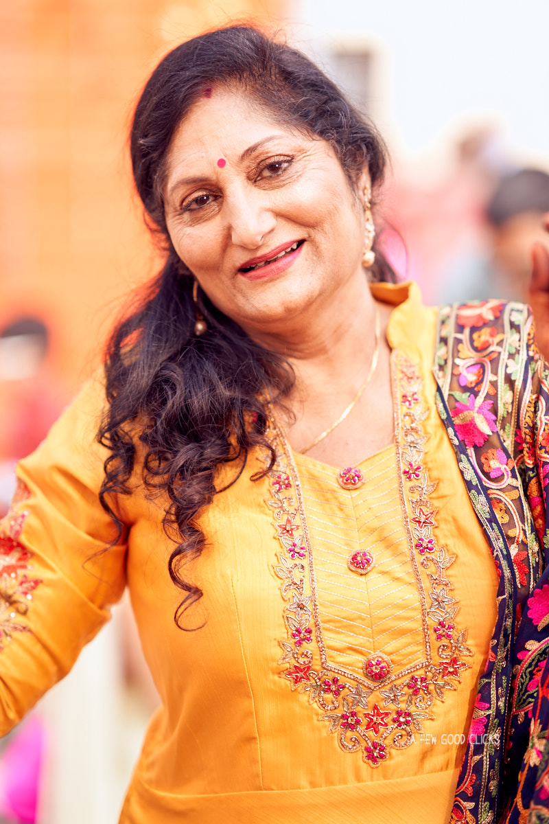 mother-of-the-groom-dancing-during-indian-wedding-in-jaipur