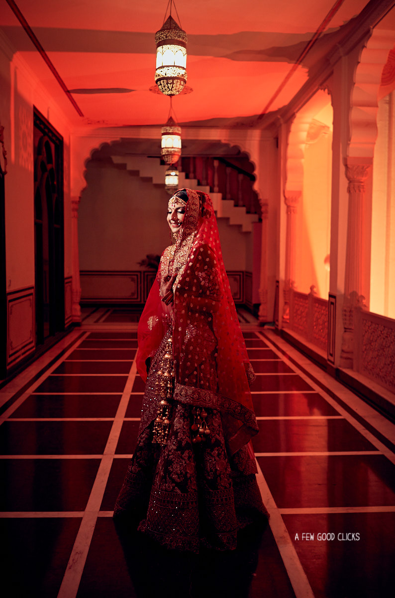 wedding-photographer-east-bay-california-captures-bridal-portraits-in-jaipur