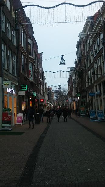 ShoppingStreet.jpg