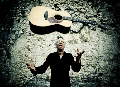 Tommy Emmanuel with Joe Robinson, Live at Tarrytown Music Hall: Sat. 3/4/17