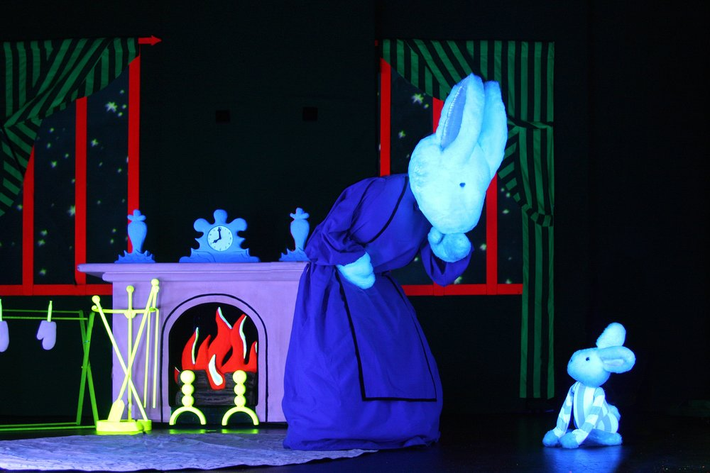 Classic Children's book comes to life in the Mermaid Theatre's performance of Goodnight Moon, Jan 28th at 2 pm and 4 pm, at The Landmark on Main Street.