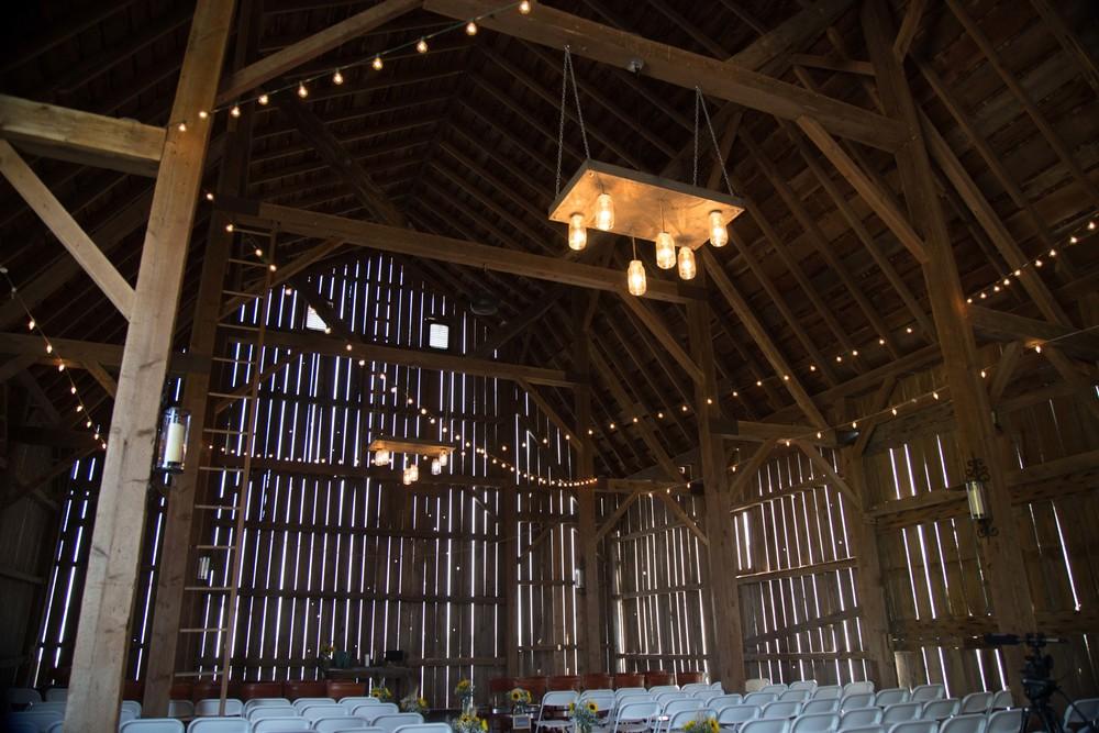 9_26-barn_Indoor_Lights_8504.jpg