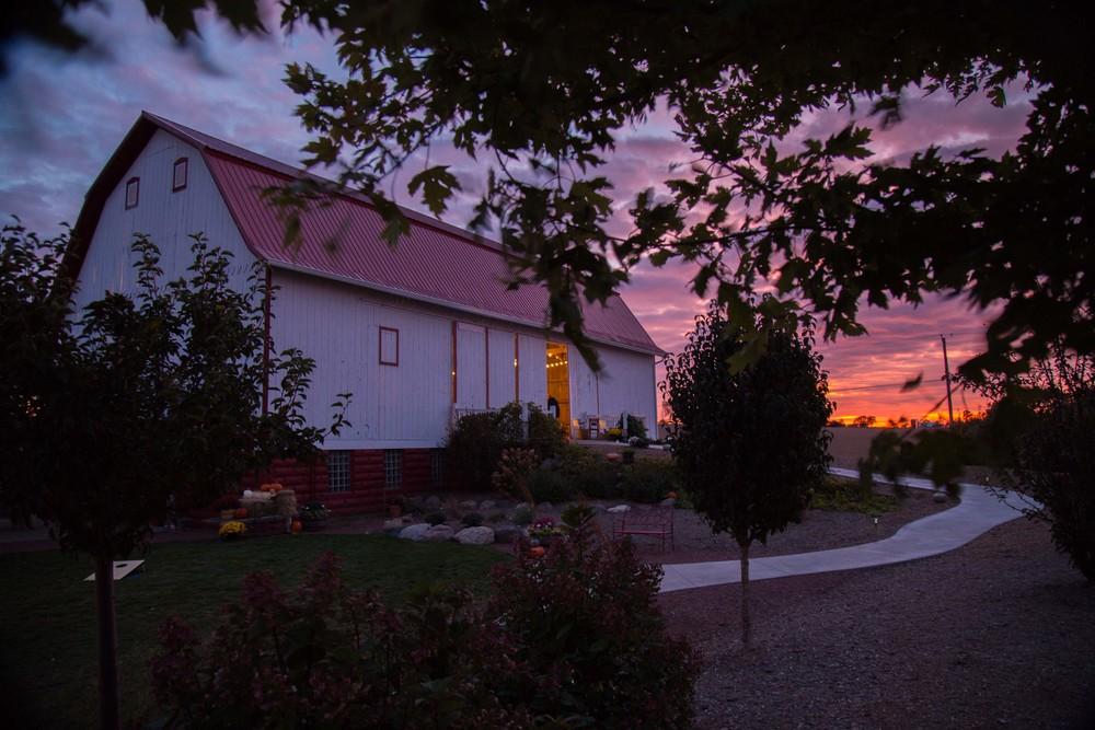 10_10-Barn_Berm_sunset_9742.jpg
