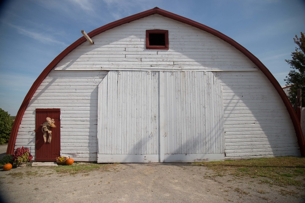 9_25-Round_Shed_Decor_8432.jpg