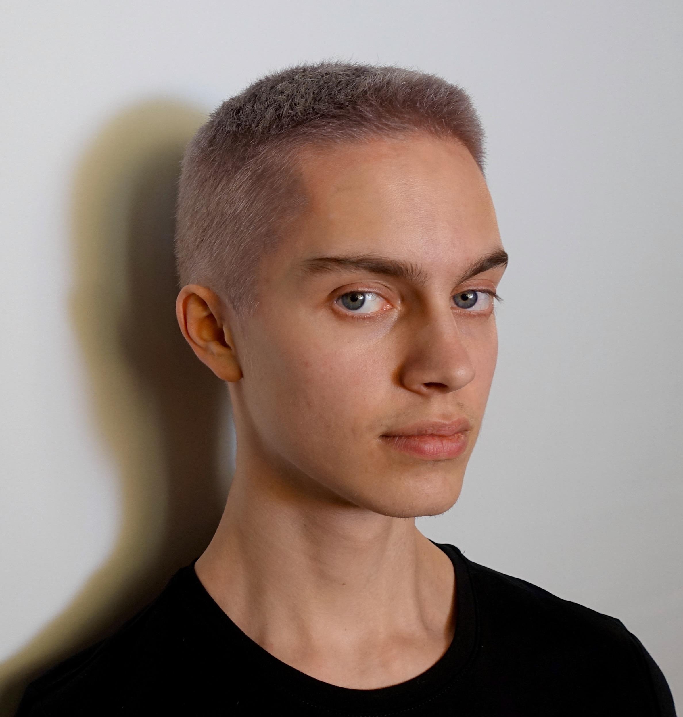 kort hårfrisyre menn