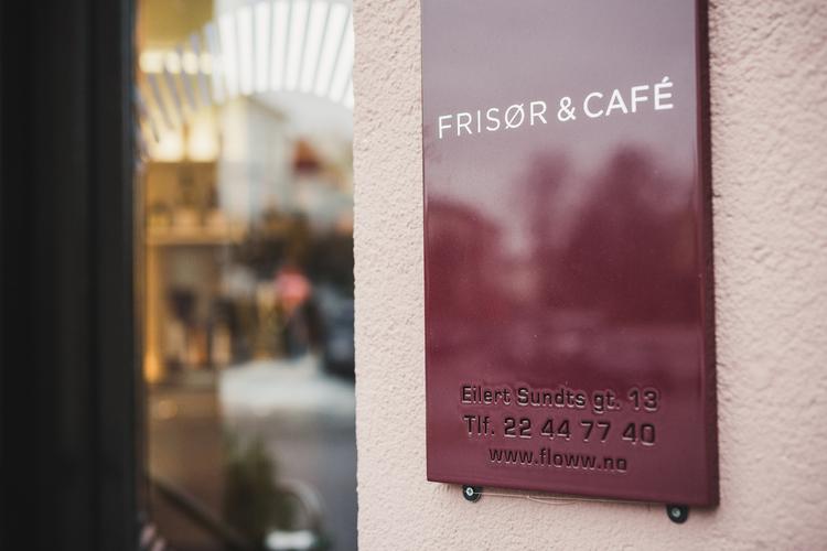 Les om våre lille cafe her..........