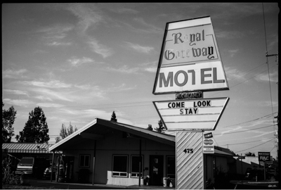 RoyalMotel007-Edit.jpg