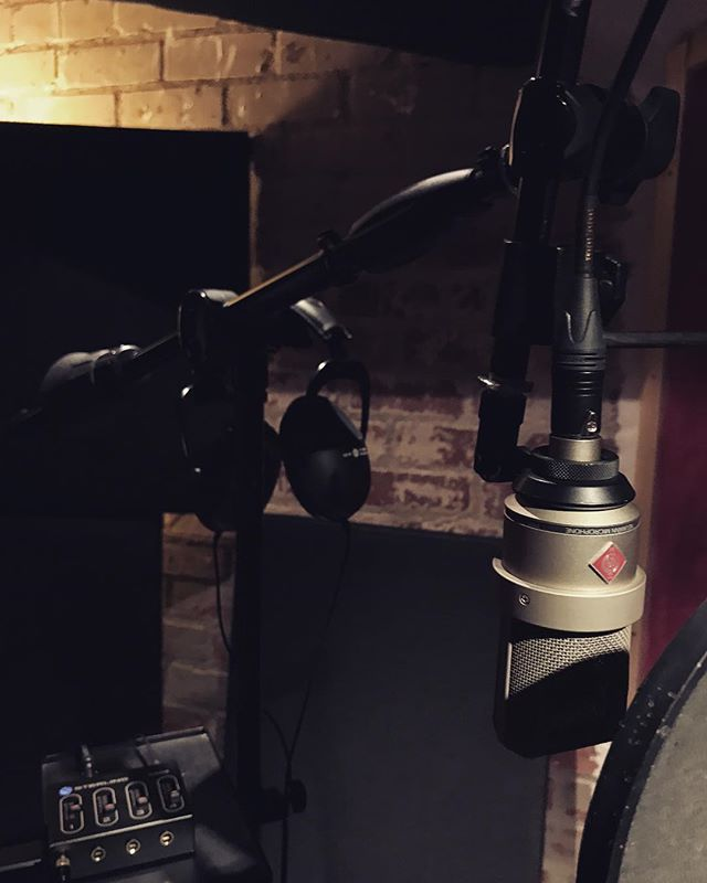Sometimes simple is better. #recordingstudio #studiolife #neumann #cookuprecords #studiolife #taylorguitar #studioflow #songwriter #singer #krk #audioengineer