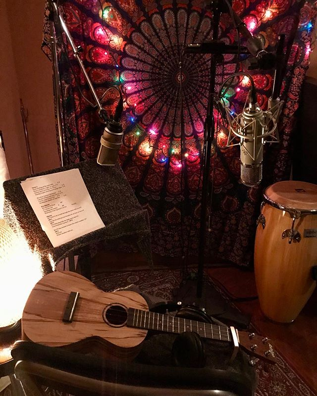 Tracking Ukulele today! #recordingstudio #songwriter #neumann #lautenaudio #audioengineer #mixengineer #musicproducer #singer #ukulele #cookuprecords #studio #studiolife #beats #yahmaha #taylorguitar