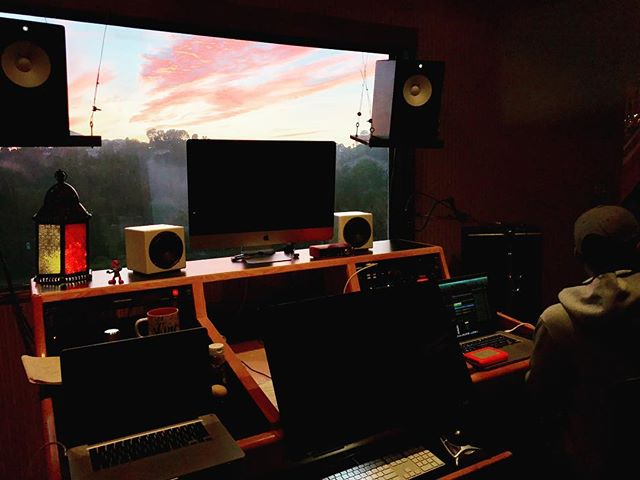 4 computer monitors but we were looking at just one thing. #sunsets #recordingstudio #audioengineer #songwriter #songwriting #pearlman #studiolife #singer #mixengineer #rocnation #musicproducer #la #hollywood #woodlandhills #beats #cookuprecords #protools