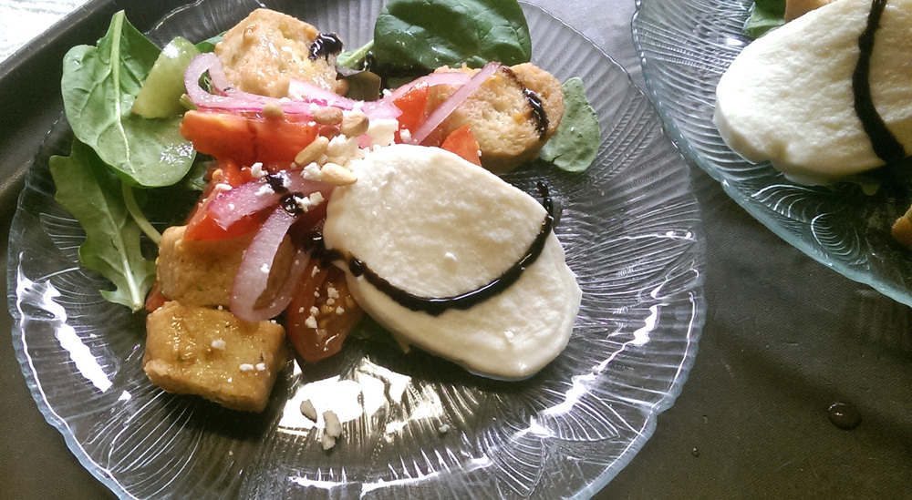 Panzanella Salad with Mozzerella
