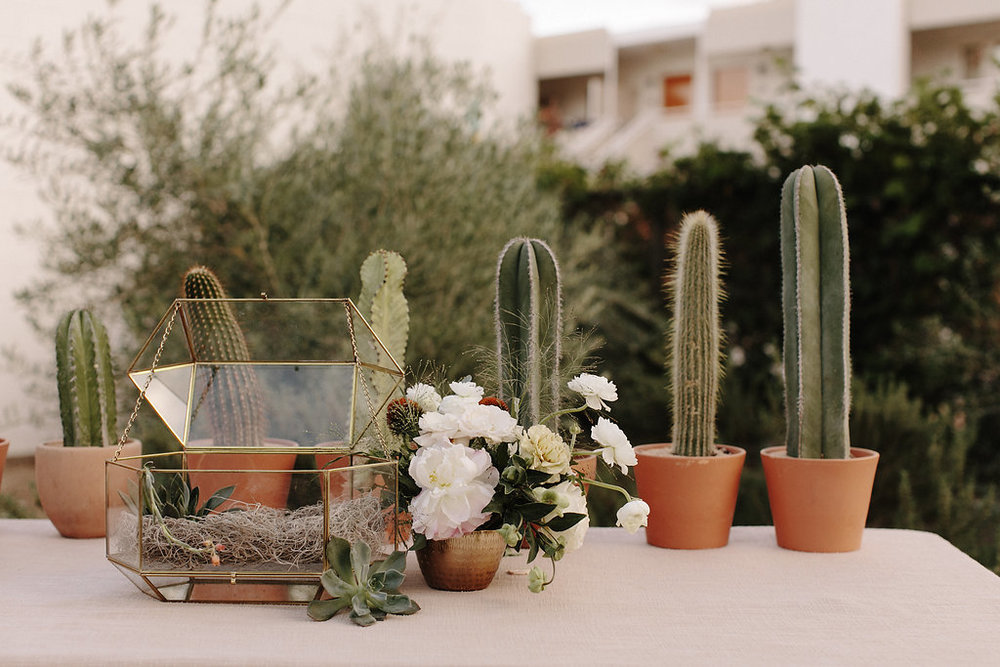 Modern and moody boho wedding by Hello Gem Events