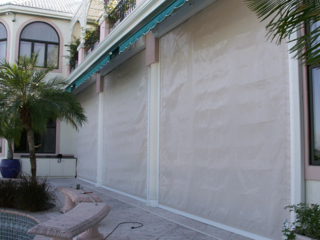 61 Rolling Screens with Awnings