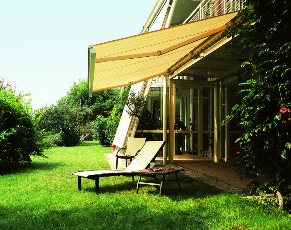 319 Sunair Awnings Great for Back Yards