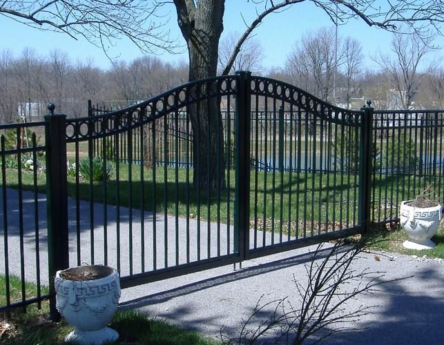 904 Black Estate Gate