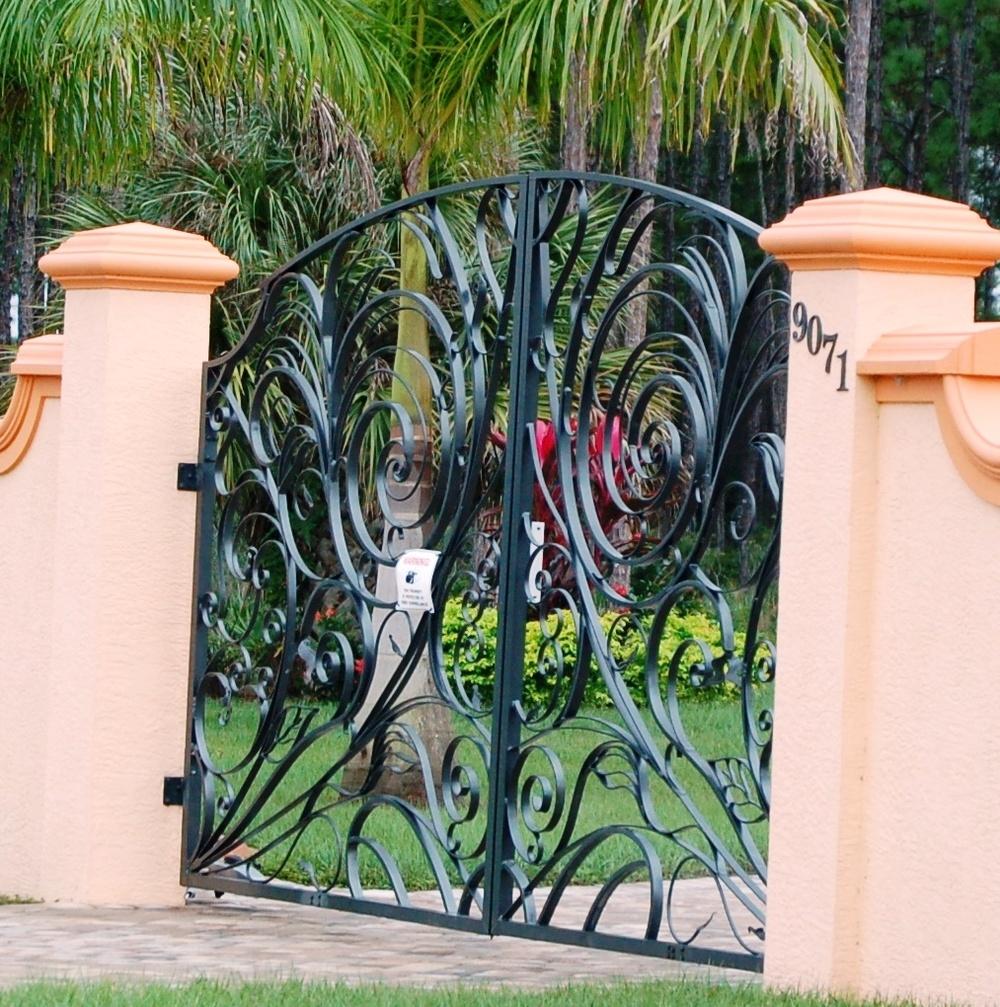 907 Estate Gate Eight Feet Tall