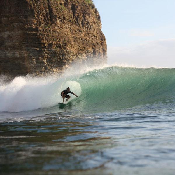 SURF MANZANILLO POINT