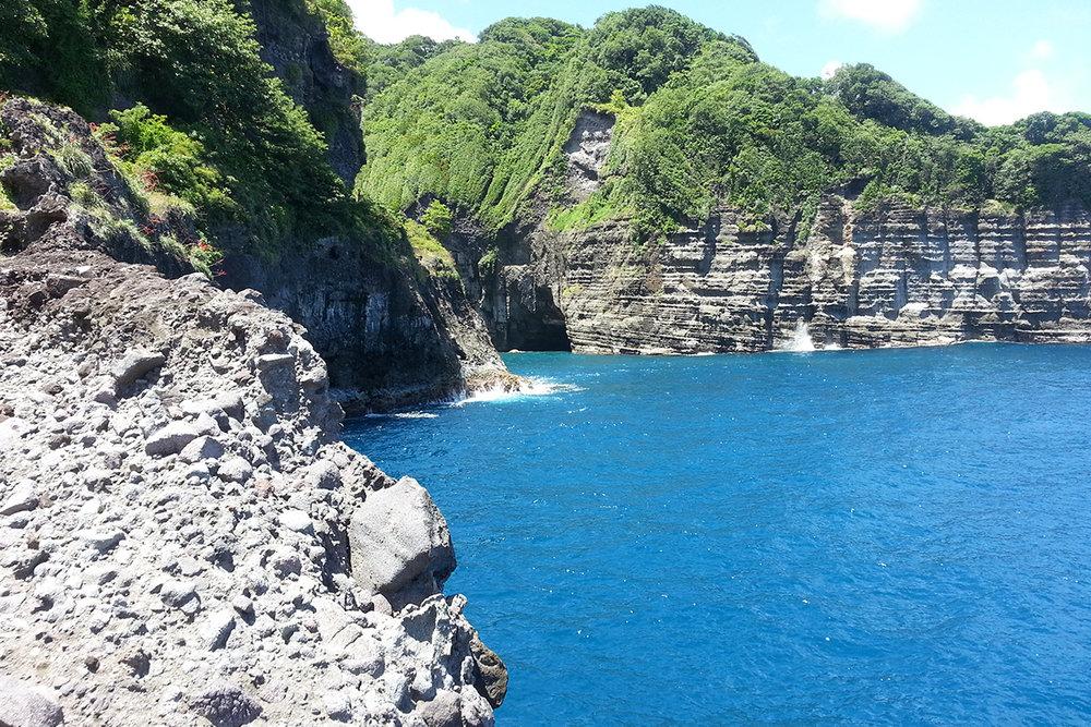 Dominica_glassy-bay.jpg