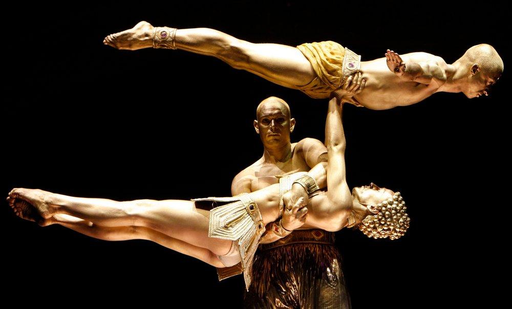 Virgile Performs.jpg
