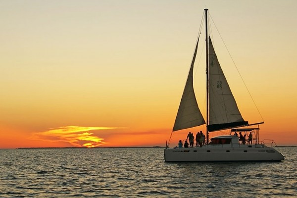 Sunset-Catamaran-Cruise-Ambergris-Caye-Sandy-Point-Resorts-600x400.jpg