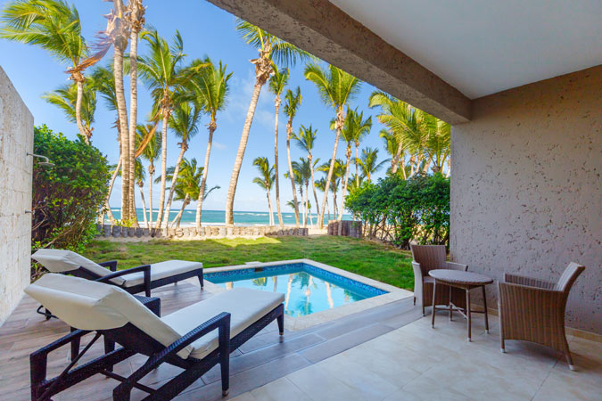 Oceanfront suite with private pool