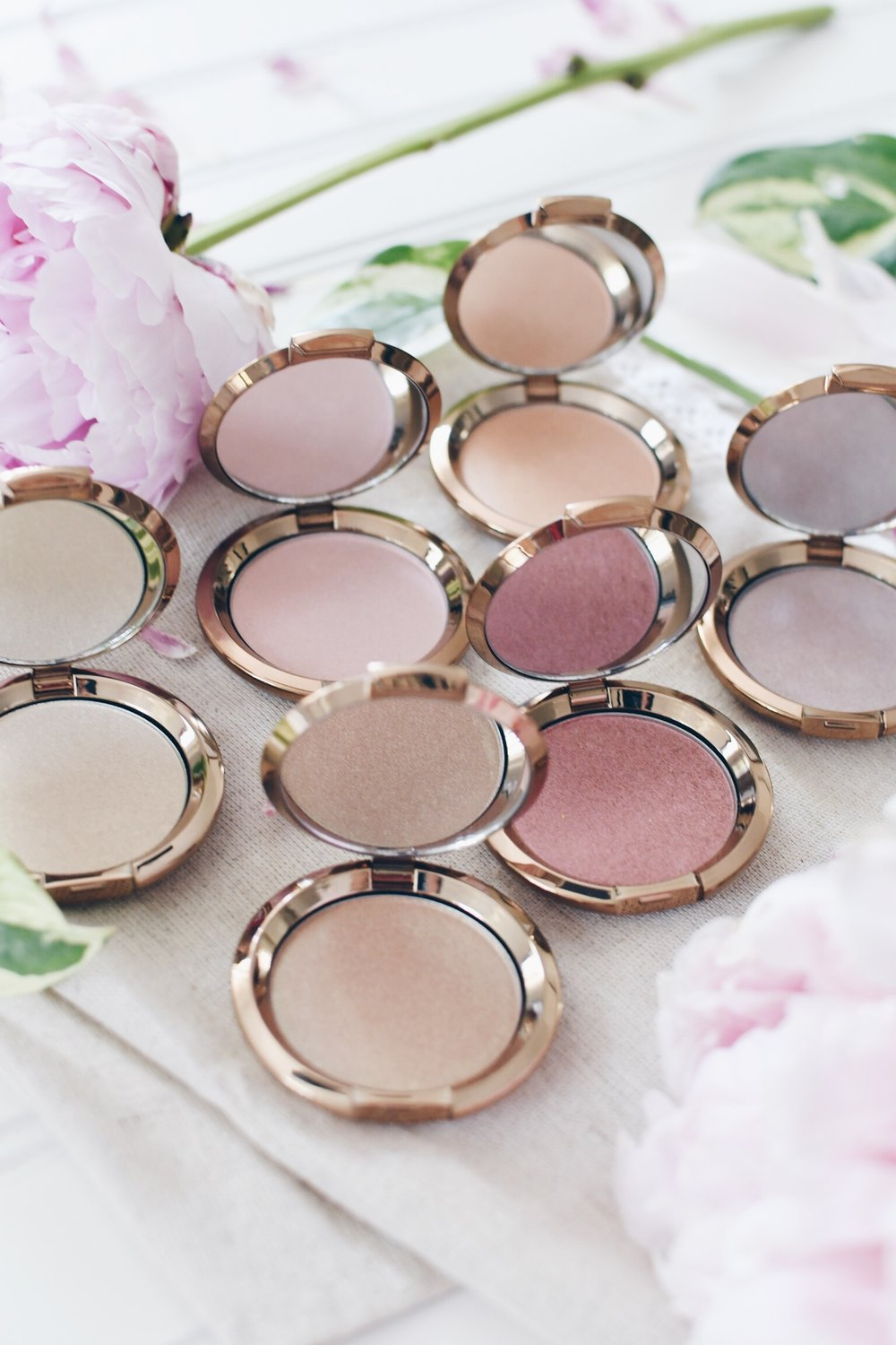 Becca Cosmetics Light Chaser Highlighter Collection