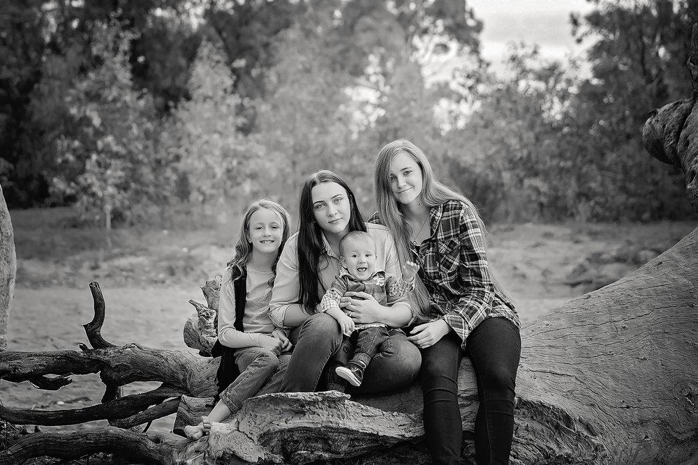 FamilyPhotosApril2017-5Black&White.jpg