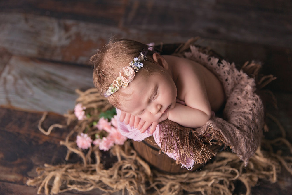 HazelNewbornPhotos-38EDIT.jpg
