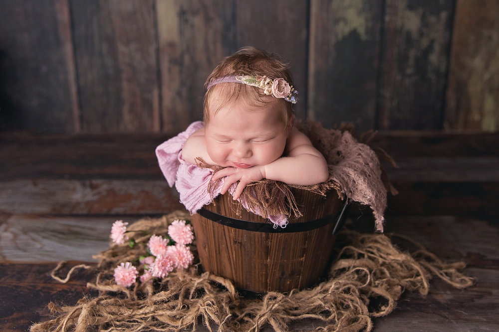 HazelNewbornPhotos-40EDIT.jpg
